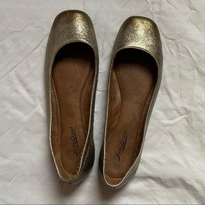 Lucky Brand two-tone copper/gold flats - 10M